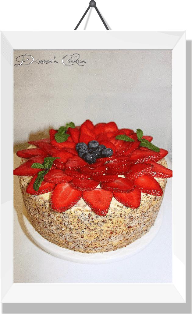 Gâteau-aux-fraises-fraîches-et-de-bleuets